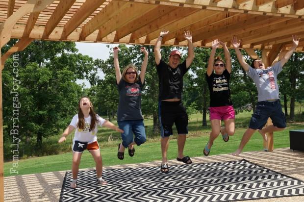 family jumping familybringsjoy.com