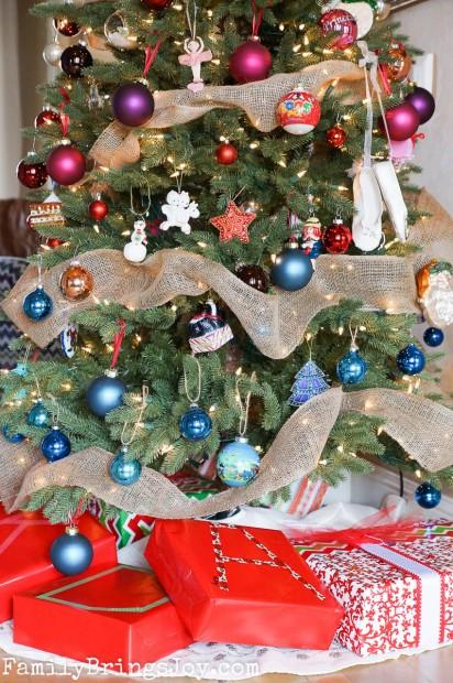 gifts under tree familybringsjoy.com